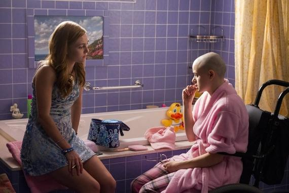 The Act -- Episode 101 -- Lacey (AnnaSophia Robb) and Gypsy Rose Blanchard (Joey King) shown. (Photo by: Brownie Harris/Hulu)