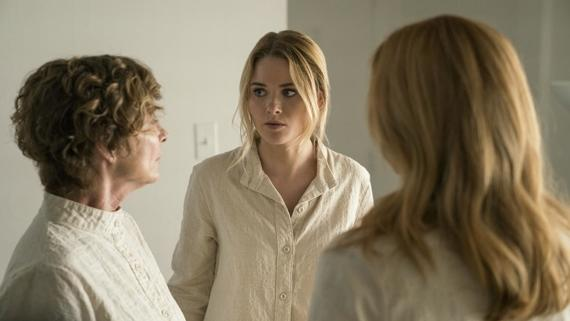 "Runaways -- ""Earth Angel"" -- Episode 212 -- The parents try to bring one of the Runaways into the fold at PRIDE. Karolina, Nico, and Molly mount a rescue mission in the desert and recruit an old friend to help. S4E2R/Susan Ellerh (Kathleen Quinlan), Karolina Dean (Virginia Gardner), Leslie Dean, (Annie Wersching), shown. (Photo by: Michael Desmond / Hulu)"