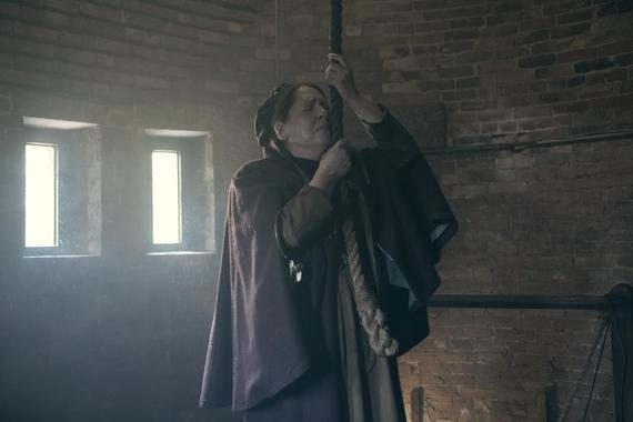 "THE HANDMAID'S TALE -- ""June"" -- Episode 201 -- Offred reckons with the consequences of a dangerous decision while haunted by memories from her past and the violent beginnings of Gilead. Aunt Lydia (Ann Dowd), shown. (Photo by:George Kraychyk/Hulu)"