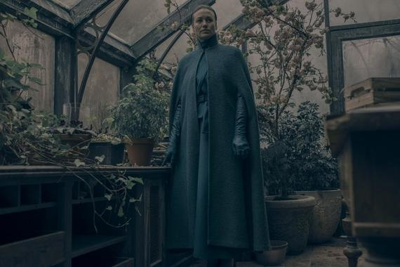 "The Handmaid's Tale -- ""Smart Power"" - Episode 209 - The Waterfords embark on a diplomatic trip abroad. Serena faces the temptation of life outside Gilead. Luke and Moira grapple with survivor's guilt. Offred seeks support from allies. Serena Joy (Yvonne Strahovski), shown. (Photo by: George Kraychyk/Hulu)"