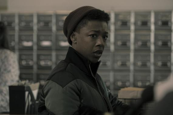 "The Handmaid's Tale -- ""Night"" - Episode 301 -- June embarks on a bold mission with unexpected consequences. Emily and Nichole make a harrowing journey. The Waterfords reckon with Serena Joy's choice to send Nichole away. Moira (Samira Wiley), shown. (Photo by: Elly Dassas/Hulu)"