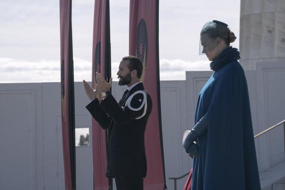 "The Handmaid's Tale -- ""Household"" - Episode 306 -- June accompanies the Waterfords to Washington D.C., where a powerful family offers a glimpse of the future of Gilead. June makes an important connection as she attempts to protect Nichole. Fred (Joseph Fiennes) and Serena (Yvonne Strahovski), shown. (Photo by: Barbara Nitke/Hulu)"