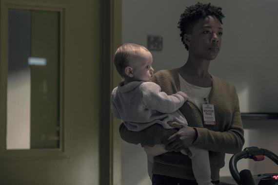 "The Handmaid's Tale -- ""Sacrifice"" - Episode 312 -- Gilead leadership is rocked by losses among their own. Luke and Moira adjust to new arrivals in Canada. June worries about disruptions to her plan, only to have tragedy strike the entire household. Moira (Samira Wiley), shown. (Photo by: Jasper Savage/Hulu)"