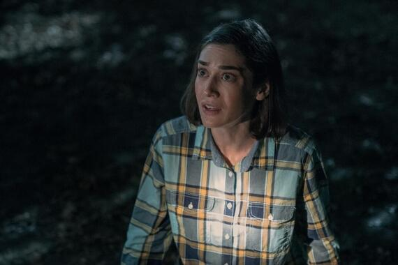 """CASTLE ROCK -- """"The Mother"""" - Episode 206 -- A familiar face arrives in Castle Rock. Annie (Lizzy Caplan), shown. (Photo by: Dana Starbard/Hulu)"""