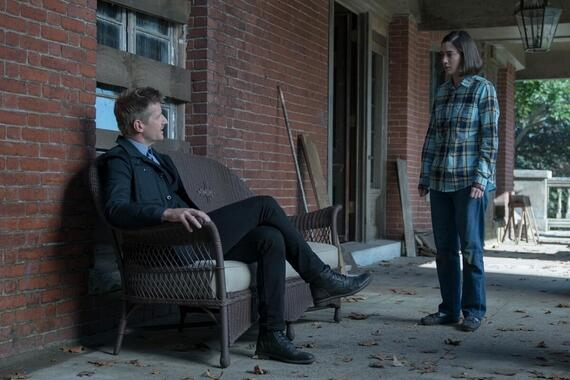 """CASTLE ROCK -- """"The Word"""" - Episode 207 -- An angel watches over this place. Ace (Paul Sparks) and Annie (Lizzy Caplan), shown. (Photo by: Dana Starbard/Hulu)"""