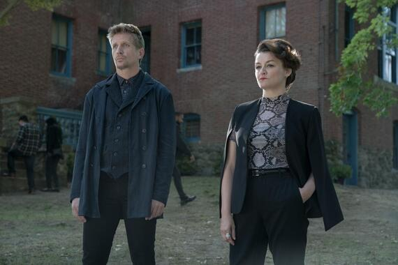 """CASTLE ROCK -- """"Dirty"""" - Episode 208 -- Annie sees things for what they are. Ace (Paul Sparks) and Valerie (Alison Wright), shown. (Photo by: Dana Starbard/Hulu)"""