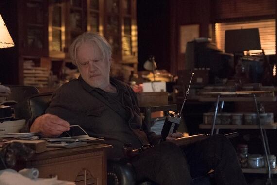 "CASTLE ROCK -- ""Caveat Emptor"" - Episode 209 -- Pop confronts his old demons. Pop Merrill (Tim Robbins), shown. (Photo by: Dana Starbard/Hulu)"
