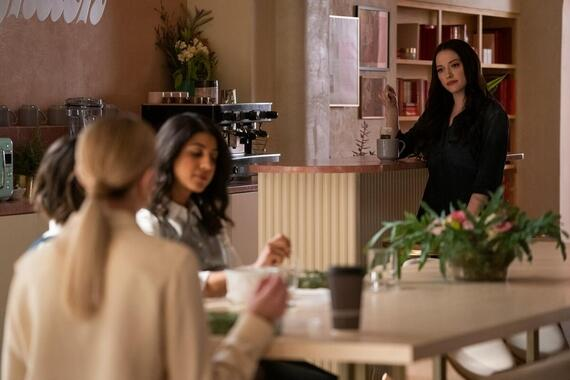 "Dollface -- ""Guys' Girl"" - Episode 101 -- Jules Wiley has been totally absorbed by her relationship for the last five years. When her boyfriend dumps her unexpectedly, Jules has to come to terms with the fact that she's let her female friendships fall apart, and plan a girls night out in an attempt to win them back. Alison B (Brianne Howey), Alison S (Vella Lovell), and Jules (Kat Dennings), shown. (Photo by: Ali Goldstein/Hulu)"