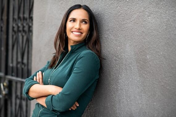 """TASTE THE NATION -- """"Burritos at the Border"""" -- Episode 101 -- El Paso was once part of Mexico. Its border location defines the region?s identity and the complexity of America?s political landscape. Padma eats her way through this border city while discovering the origins of one of America?s most beloved cuisines. Padma Lakshmi, shown. (Photo by: Dominic Valente/Hulu)"""