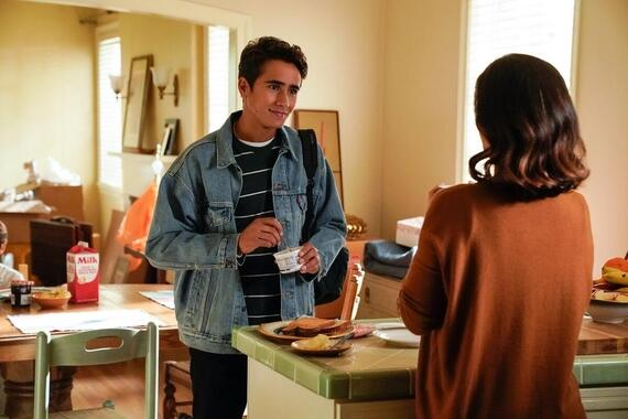 """Love, Victor -- """"Welcome to Creekwood"""" - Episode 101 -- Victor arrives at Creekwood a year after the events of LOVE, SIMON excited to start his new life. Victor (Michael Cimino) and Isabel (Ana Ortiz), shown. (Photo by: Mitchell Haaseth/Hulu)"""