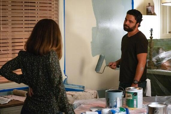 """Love, Victor -- """"Stoplight Party"""" - Episode 102 -- After news of his Ferris wheel ride with Mia, Victor has an unexpected brush with popularity. Isabel (Ana Ortiz) and Armando (James Martinez), shown. (Photo by: Gilles Mingasson/Hulu)"""