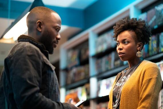"Woke -- ""Rhymes with BrokeÓ - Episode 101 -- When up-and-coming cartoonist Keef Knight has a traumatic run-in with the police, he begins to see the world in an entirely new way. Keef (Lamorne Morris) and Ayana (Sasheer Zamata), shown. (Photo by: Joe Lederer/Hulu)"