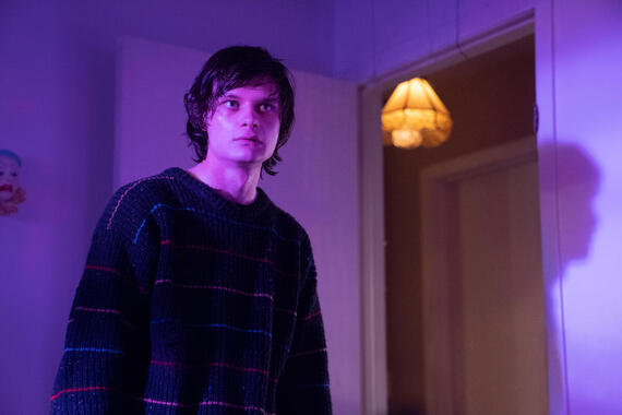 "Monsterland -- ""Eugene, OR"" -- Episode 102 -- A lonely teen encounters an unwelcome guest. Nick (Charlie Tahan), shown. (Photo by: Barbara Nitke/Hulu)"
