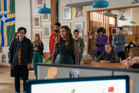 """Shrill -- """"ribs"""" - Episode 301 -- A newly single Annie jumps back into the dating world with mixed results, and has a traumatic encounter at the doctor. Fran and Emily take their relationship to the next level. The Thorn faces serious cutbacks. Angus (Sean Tarjyoto), Amadi (Ian Owens), Annie (Aidy Bryant), Andy (Scott Engdahl), and Maureen (Jo Firestone), shown. (Photo by: Allyson Riggs/Hulu)"""