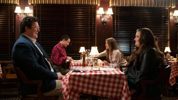 """Shrill -- """"will"""" - Episode 302 -- Amadi sets Annie up on a disastrous blind date. Fran is sick of working from home and takes a job at a salon. Bill and Vera make a big announcement about their future. Will (Cameron Britton) and Annie (Aidy Bryant), shown. (Photo by: Allyson Riggs/Hulu)"""