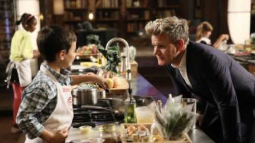 Gordon Ramsay coaching a contestant during Master Chef Jr.